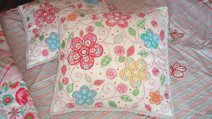 Room seven kussen wit geborduurde bloemen m m metamorphosis