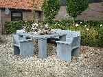 vierkante tafel van steigerhout