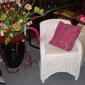 Rieten stoel ook in bruin verkrijgbaar