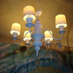 Witte hanglamp+kapjes