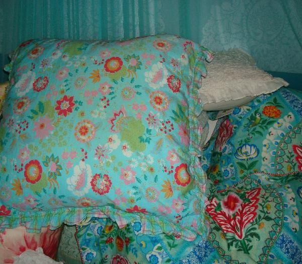 Room Seven Kussens.Room Seven Kussen Blauw Gebloemd M M Metamorphosis