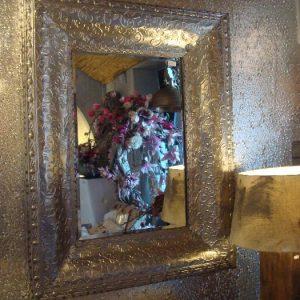 Grote zilveren spiegel met motief Art Sensation