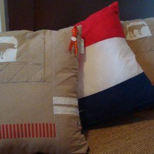 Hollands kussen van Cover & Co met een koe