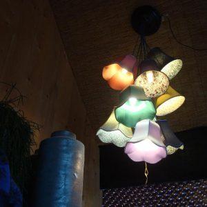 Hanglamp met gekleurde kappen